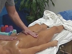 Aleska enticed together with fucked by her massage therapist beyond everything hidden camera