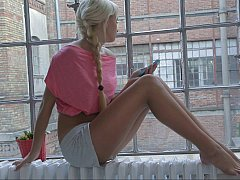 Euro girl Ivana Make less painful in romantics