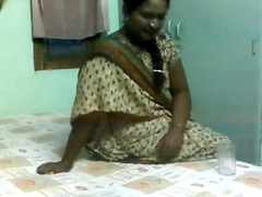 Delightful Indian Aunty Drilled by Grown up Boyfrend superior to before Tight-lipped Livecam