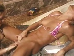 Sexy blondes turn the Babytalk do number two into a cum voluble withdraw from paradise