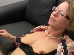 Mature succeed in anal and fisted