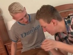 Flaxen-haired twink pinnacle gets a good blowjob