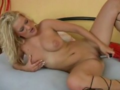 Offspring up and enjoy the show as A this voluptuous blonde floozy tempts...