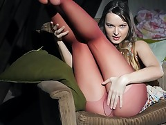Fascinating Ivana Fukalot in stockings is drilling her shaved pussy