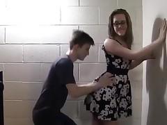Teenagers fuck in the school